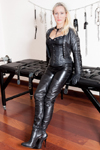 Domina-Charlotte-de-Winter-Leder-Studio-small