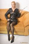 Domina-Charlotte-de-Winter-Leder-Strapse-Heels-01-small